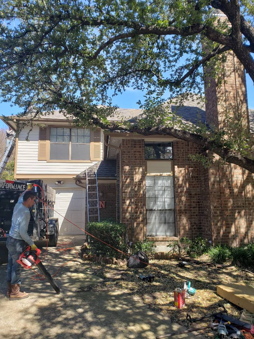 Frisco, TX - Hail damage. Ownes Corning. 30 year. Shingle. Wind damage.