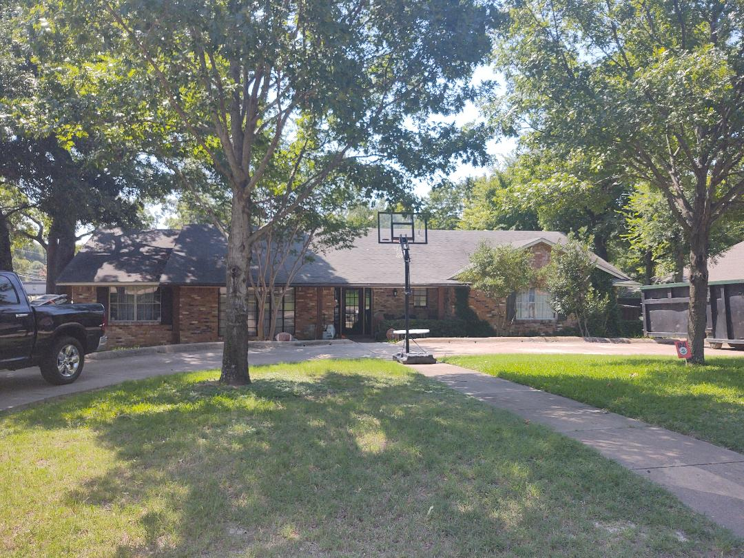Dallas, TX - Home renovation, siding replacement, painting, interior remodeling, flooring, fencing, fence repair, gutter replacement, roof repair, storm damage, free estimate, locally owned, New View Roofing and Remodeling