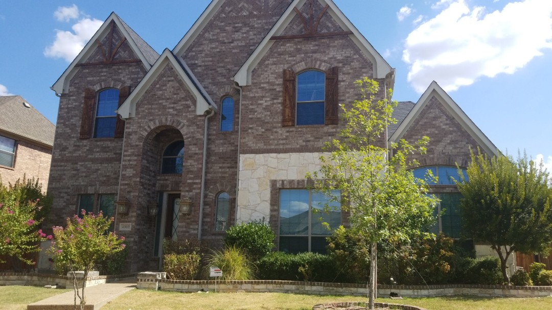 Carrollton, TX - Complete roof replacement - Installed Owen's Corning onyx black 30 year warranted shingle