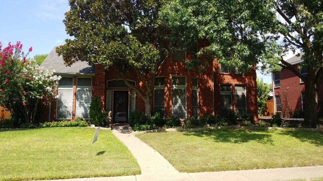 Carrollton, TX - Complete roofing replacement- installed landmark 30 year weathered wood shingle