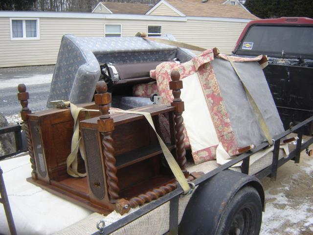 Annapolis, MD - we removed a small love seat couch, A wood desk ,An arm chair and an old mattress at a home in Annapolis MD 21403, Junkinator - Junk Removal Experts - 410-424-0856