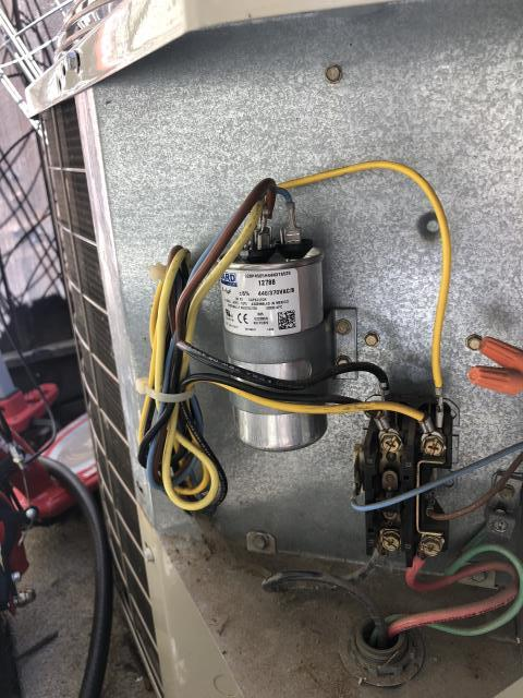Gilroy, CA - Serviced an air conditioning unit that needed a new capacitor for a residence in Gilroy.