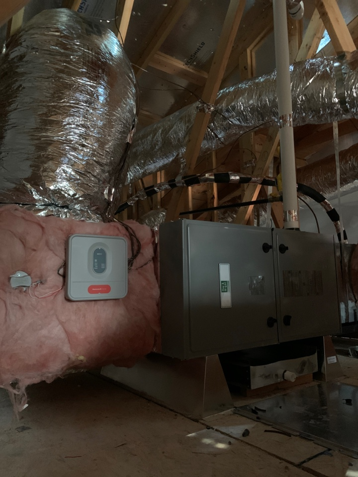 Installing a new furnace and duct work in Mountain View.