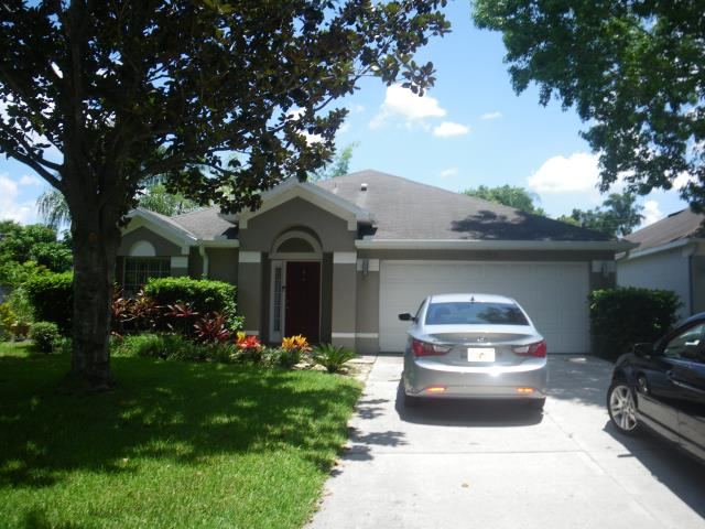 Orlando, FL - Getting ready for a new GAF Timberline roof in White .