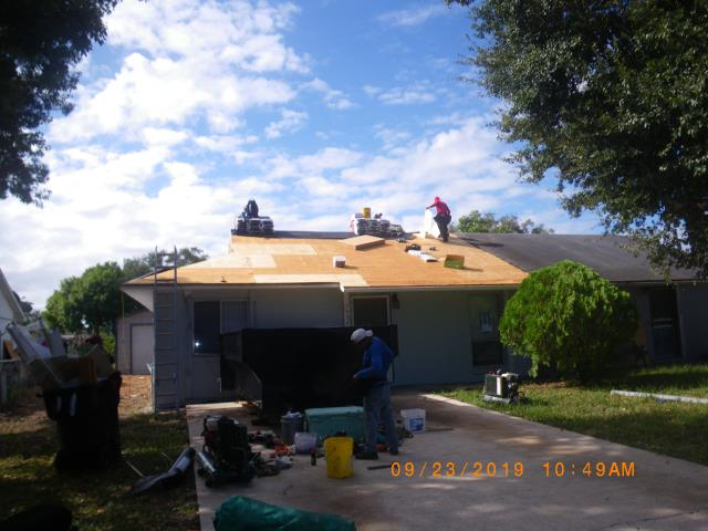 Orlando, FL - New roof being installed . Think you need a roof replacement , ask Jeff for a free roof quote