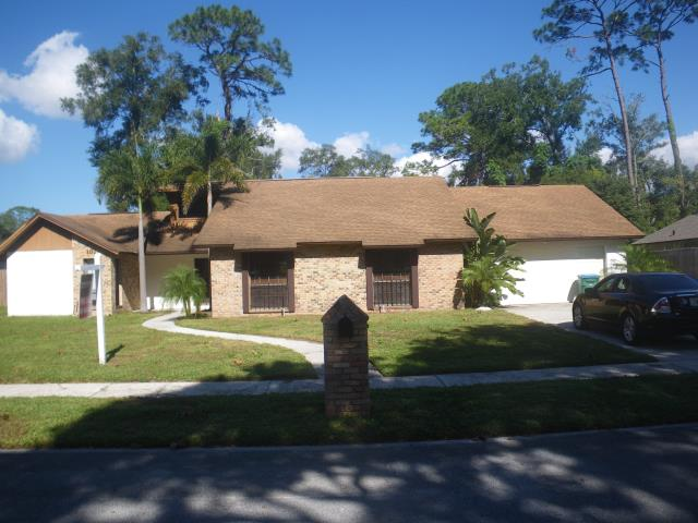 Longwood, FL - Let Jeff check that roof before you make the purchase .