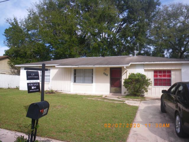Altamonte Springs, FL - Buyer asks us to check roof . Time for replacement . Ask for Jeff B