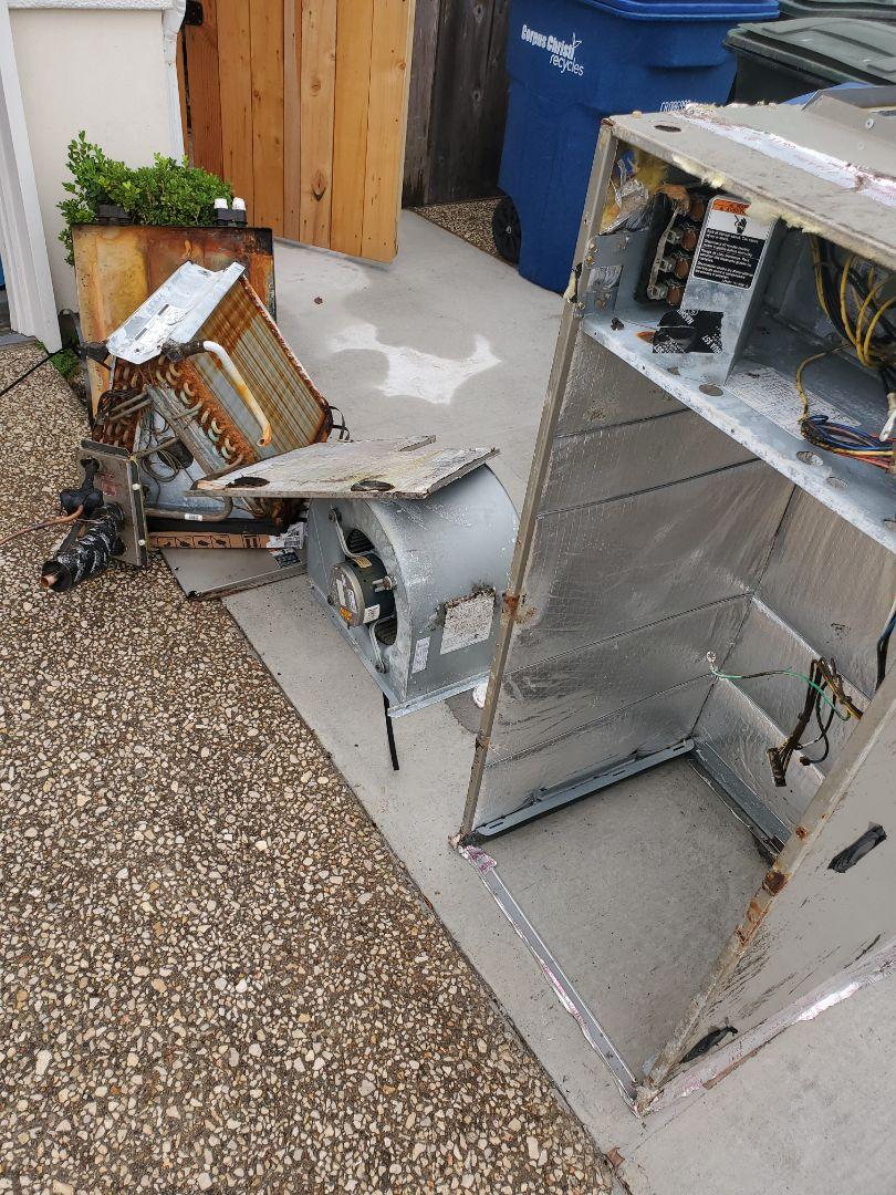 Corpus Christi, TX - Air conditioner replacement Corpus Christi Texas. Installing a New Ac unit.
