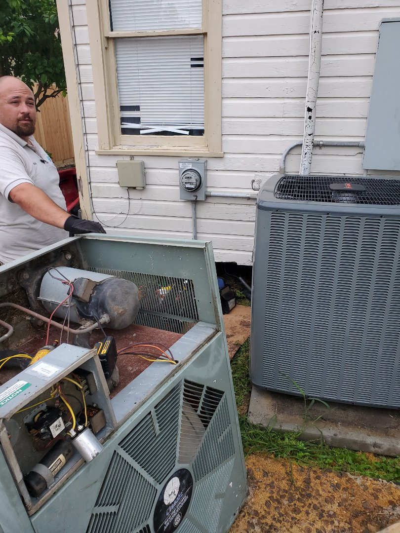 Corpus Christi, TX - Ac repair corpus christi texas. New Ac install. Out with the old ac unit in with a new 18 Seer air conditioning unit.