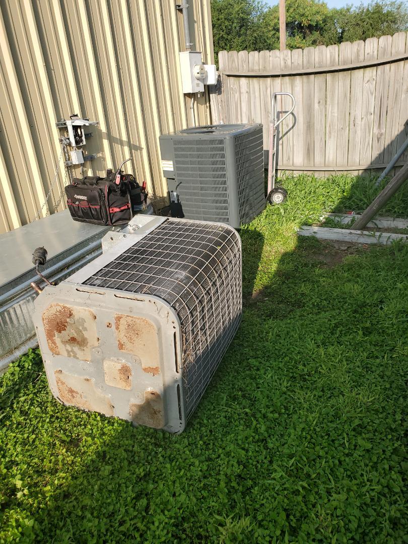 Corpus Christi, TX - New air conditioning unit. Ac repair corpus chriati Texas.
