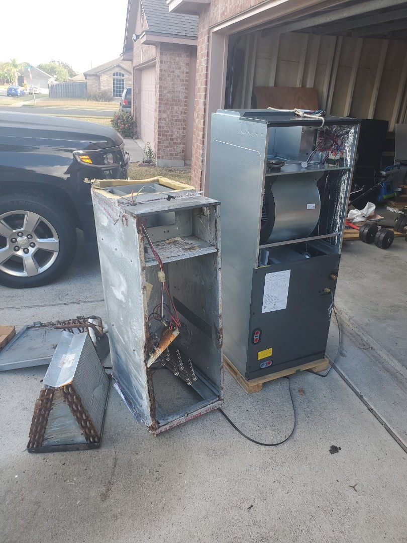 Corpus Christi, TX - Put in a new AC unit for a great family in Corpus Christi! Glad they got to take advantage of our off-season pricing - Always think ahead folks!
