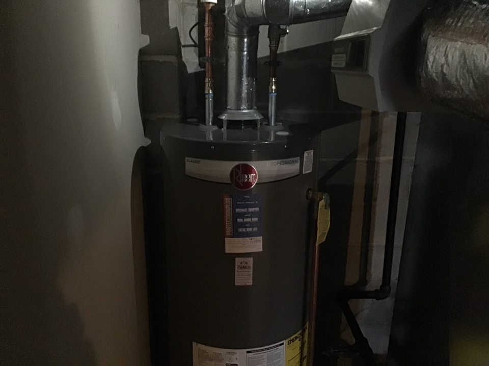 Point Pleasant, NJ - 50 gallon natural draft water heater installed with dual anode rods for a ten year warranty in Point Pleasant, NJ