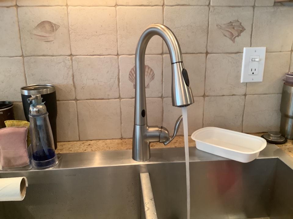 Lavallette, NJ - Install new Moen Arbor Motion Sense kitchen faucet in Lavalette