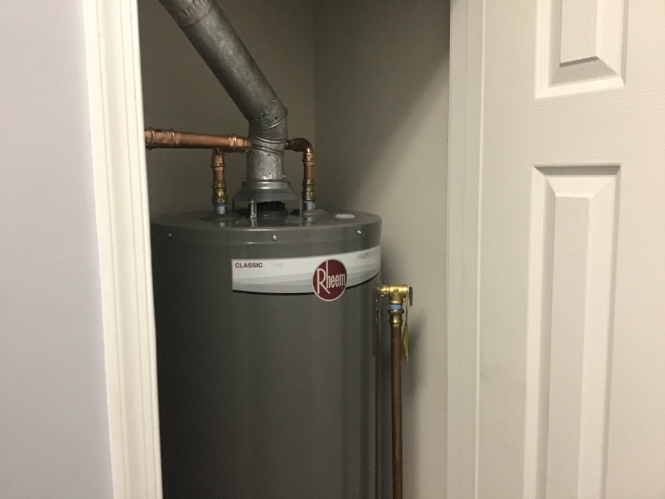 New 40gallon water heater install with new washing machine valves in Bayville NJ.