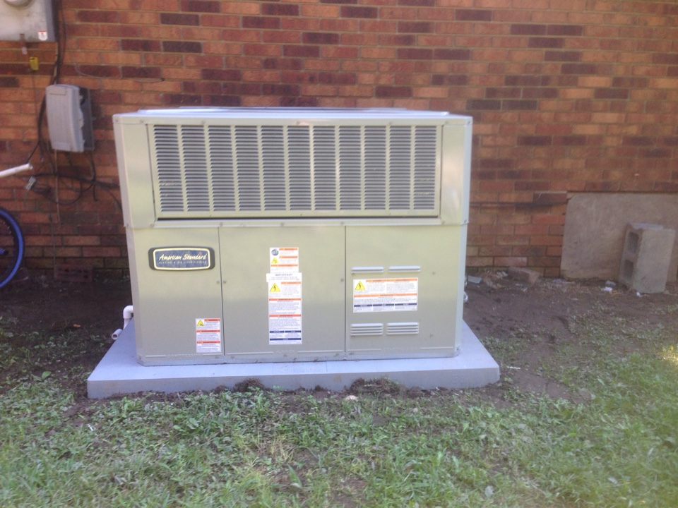Elkhorn City, KY - Installing a new American Standard Package Heat Pump system.