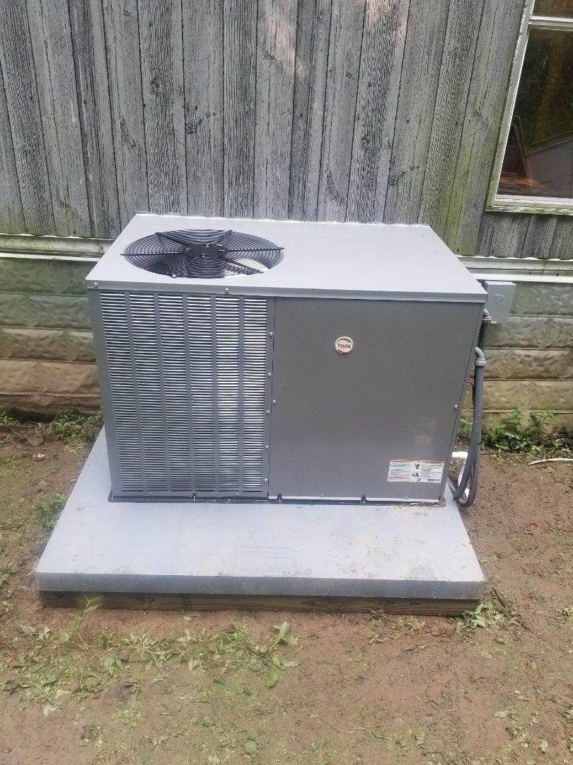 Virgie, KY - Install 2.5 ton Payne package heat pump