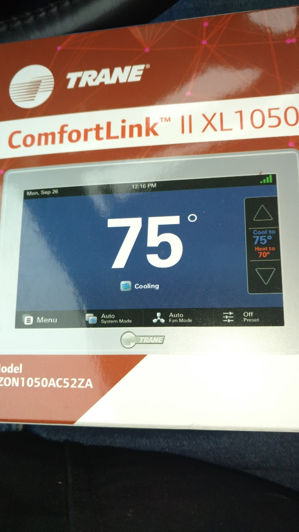 Hazelhurst, WI - Perform setup and calibrate on Trane XL1050 thermostat control
