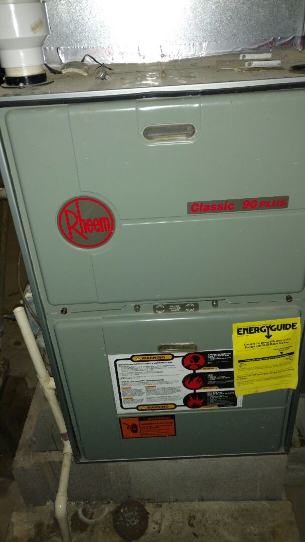 Butternut, WI - Removed mouse from stalled vent assembly. Performed preventive maintenance check on Rheem furnace.