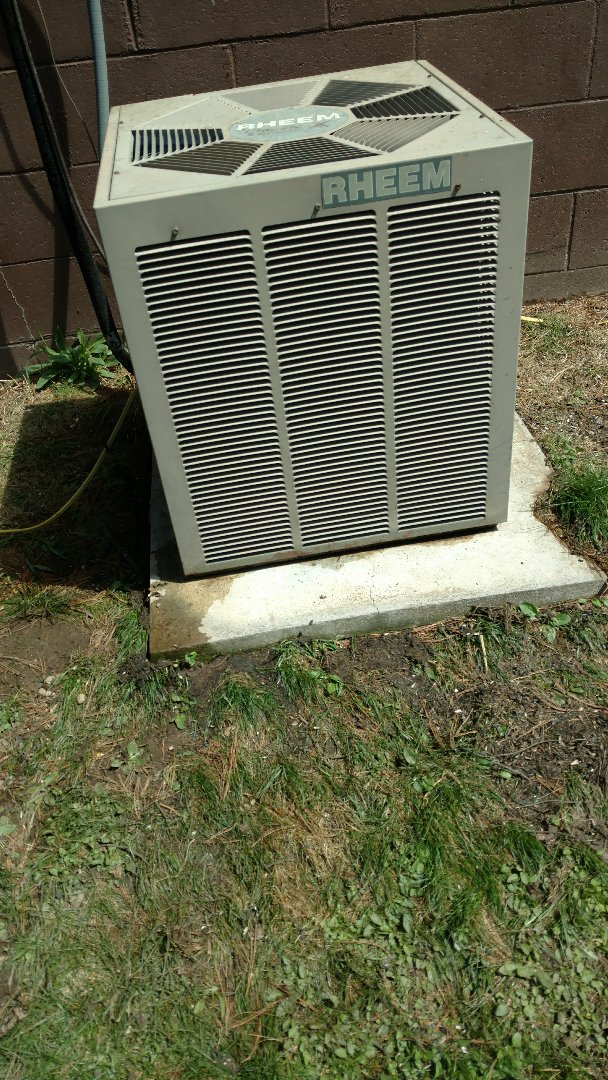 Woodruff, WI - Perform preventive maintenance check on Rheem central air conditioning unit. Clean coil. Replace contactor.