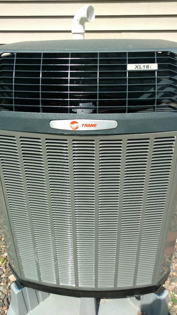 Ojibwa, WI - Perform preventive maintenance inspection of Trane XL16i heat pump.