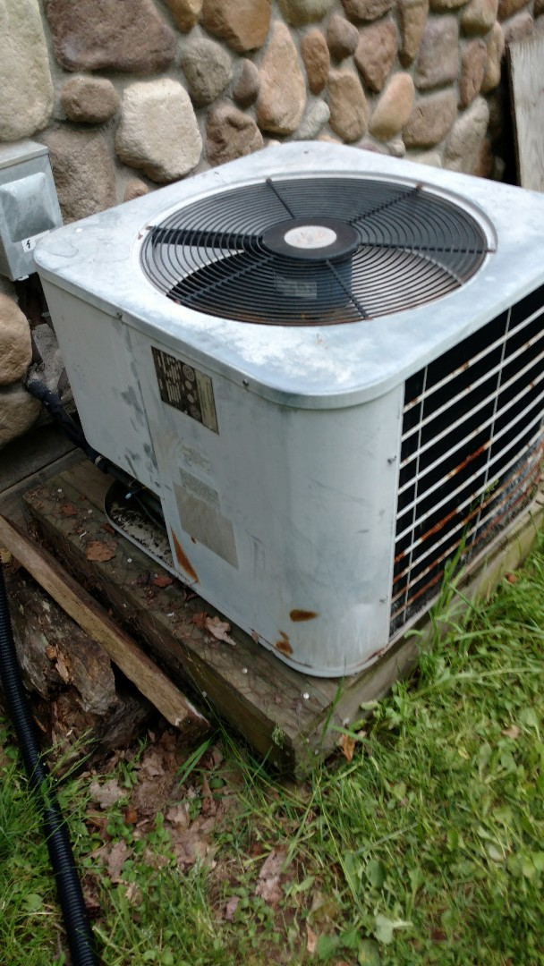 Phillips, WI - Check over Comfortmaker air conditioner. Wire up New thermostat.