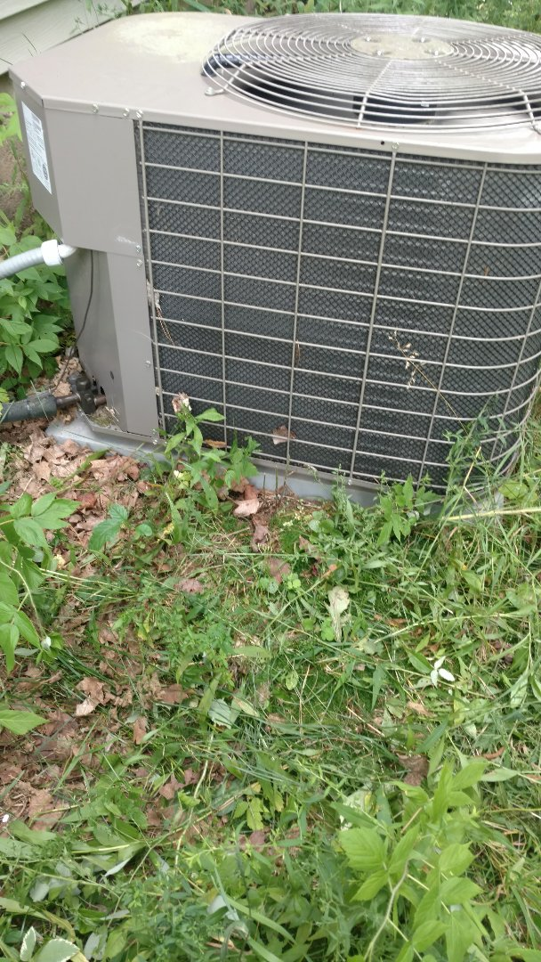 Ogema, WI - Service Luxaire air conditioner. Repair broken electrical connection on power supply of new Ameristar furnace.