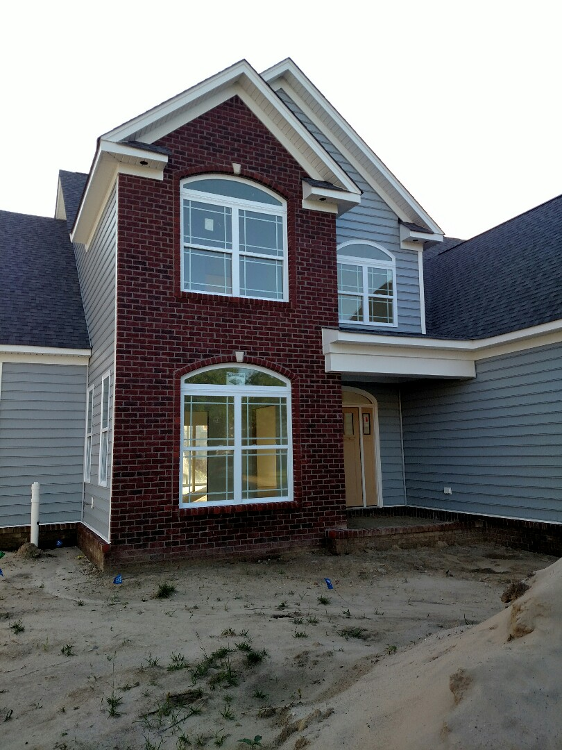 Suffolk, VA - New construction home ready for drivway