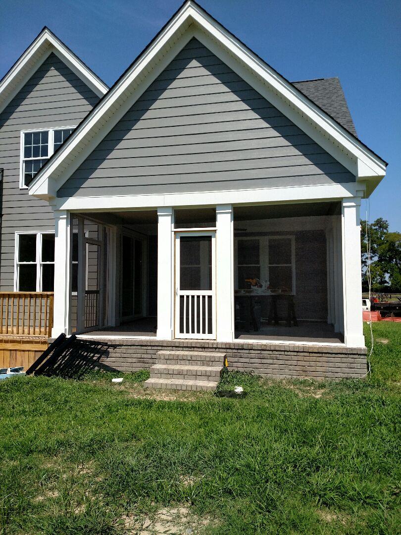 Suffolk, VA - Screen Porch finishing up