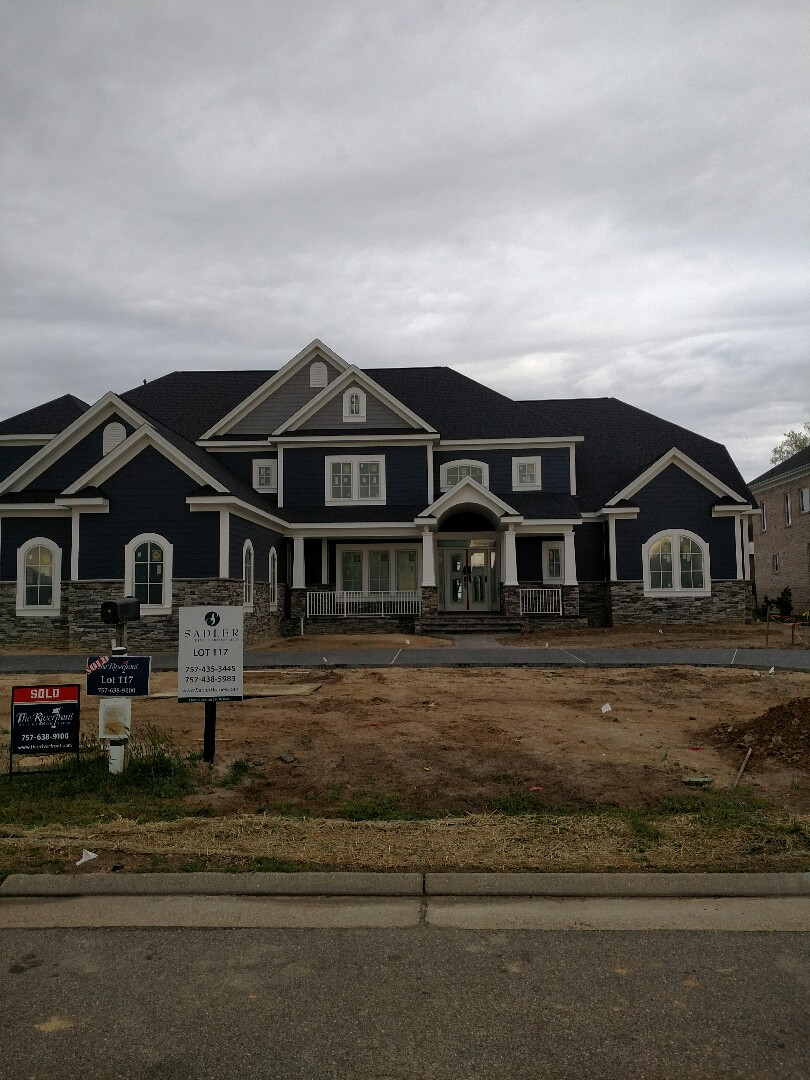 Suffolk, VA - Custom home - Columns now installed.