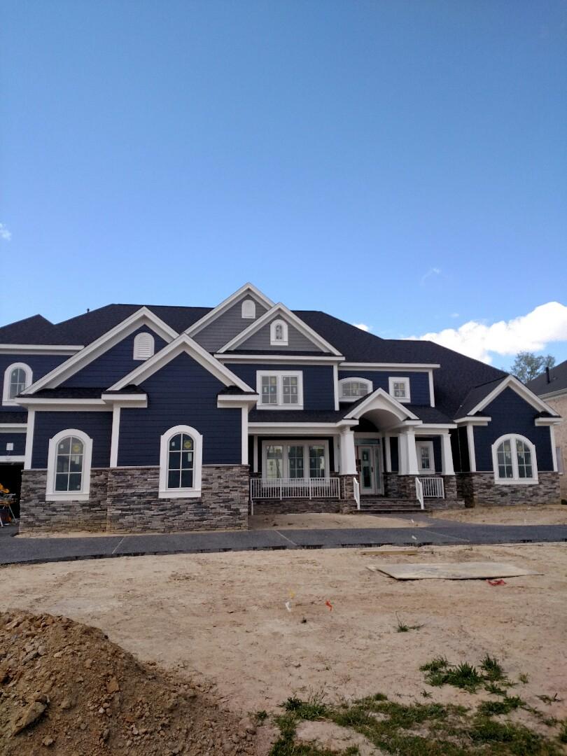 Suffolk, VA - Custom home new construction finishing up exterior