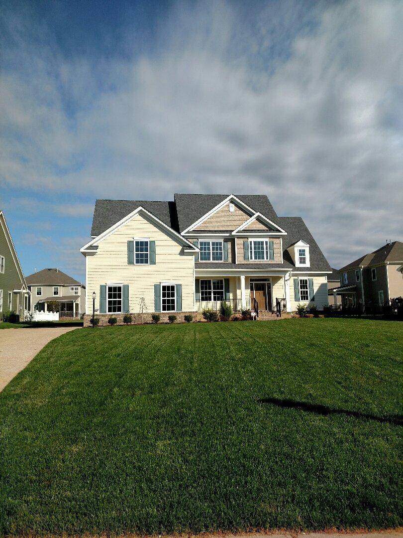Carrollton, VA - Custom home new construction ready to move in.