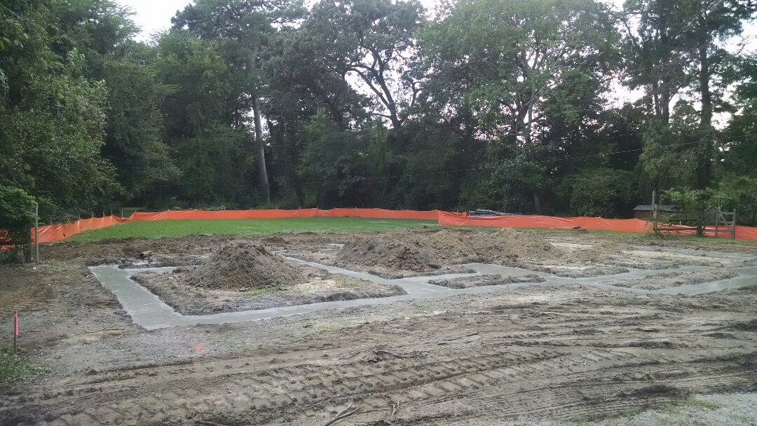 Chesapeake, VA - Footing dug and poured! Block and block points on Monday! What a beautiful site!