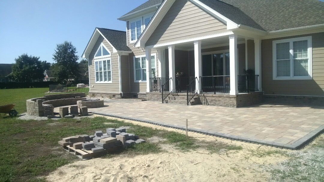 Chesapeake, VA - Outdoor kitchen and living area taking shape! Exciting!!