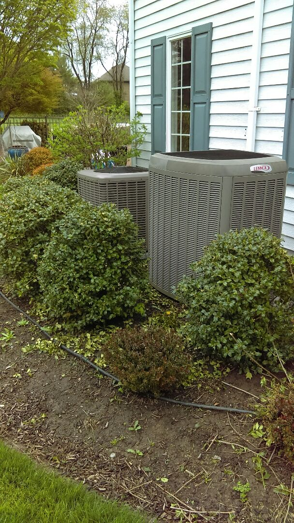 Dual AC tune-up of a Lennox air conditioning system in a Unico air conditioning system air conditioning system service and preventative maintenance and tune-up also check charge from a line set instalation