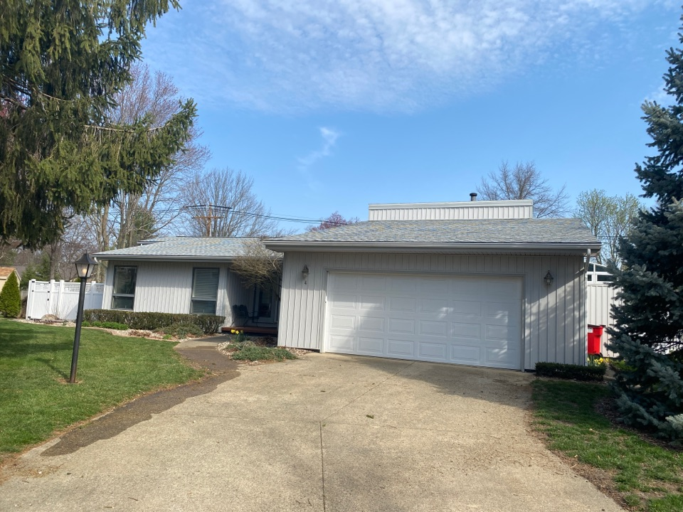 Savoy, IL - A roof replacement was no problem for this homeowner in Savoy.  They decided on the Fox Hollow shingles by GAF and are now set for 50 years! Thank you again for choosing Steinmeyer!