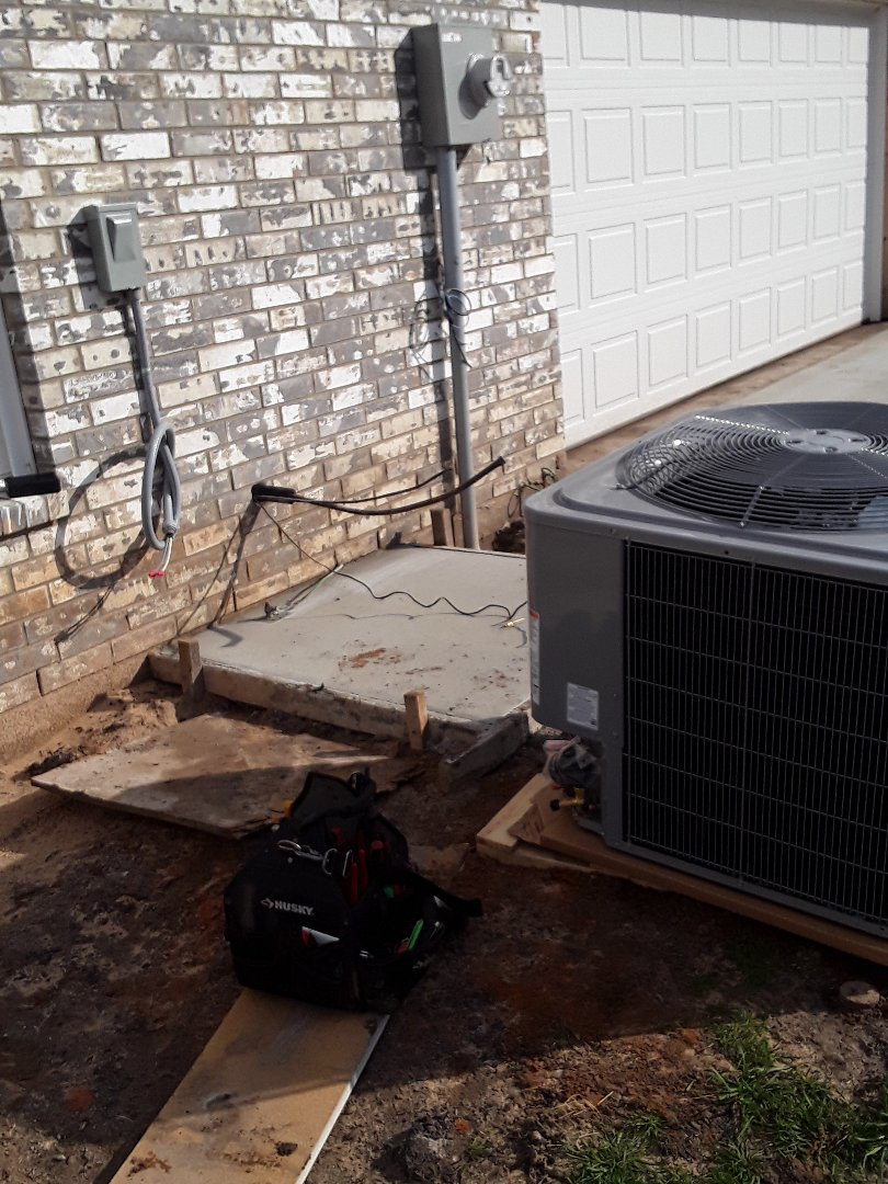 Wills Point, TX - Setting new condenser on new construction job