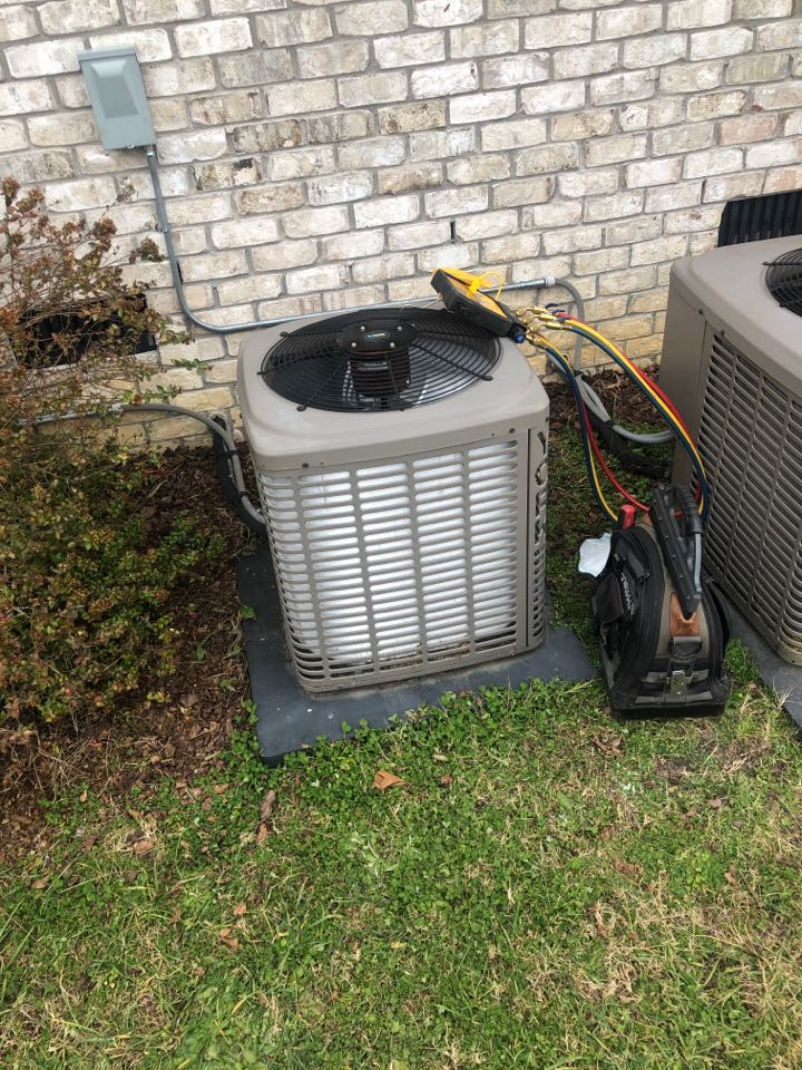 Oak Ridge, NC - Frozen Heat Pump Repair. York Unit needs new board.