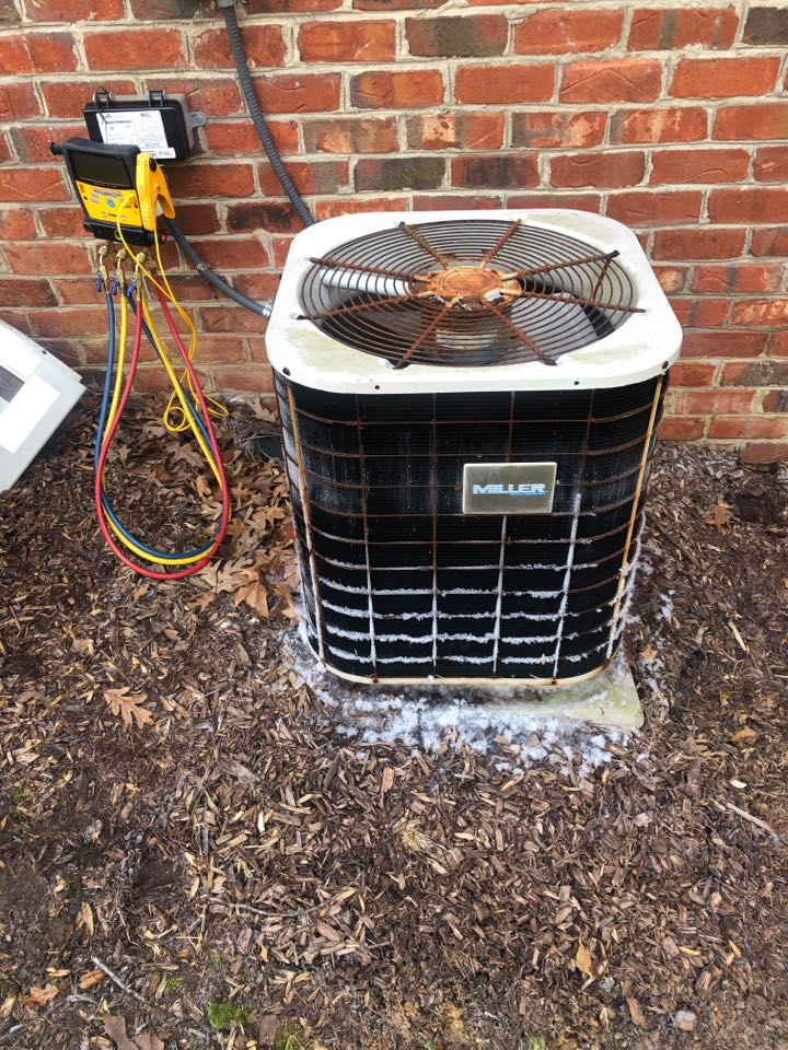 Kernersville, NC - Why is my outdoor unit freezing up? *everyone in the last two days*. Fan not spinning on this Miller heat pump repair.