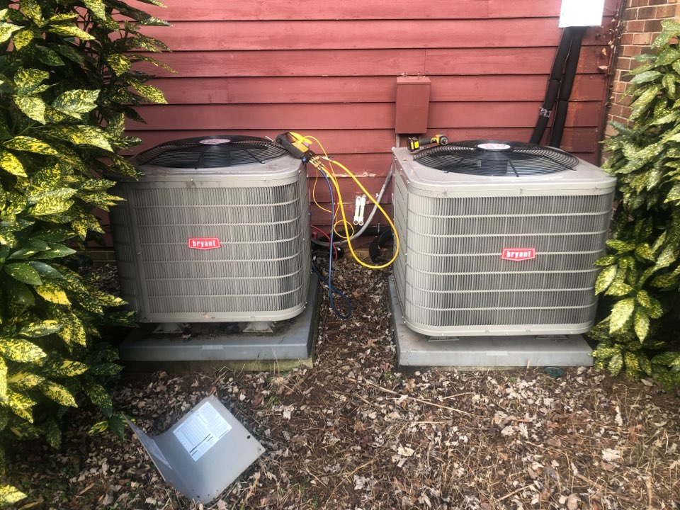 Kernersville, NC - Gatewood community. Two Bryant heat pumps service call. Not keeping temperature.