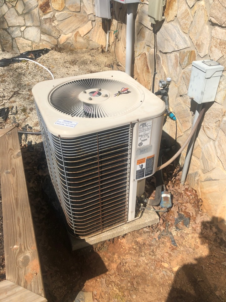 Kernersville, NC - Lennox heat pump condenser motor not spinning and freezing up. Back up and running!