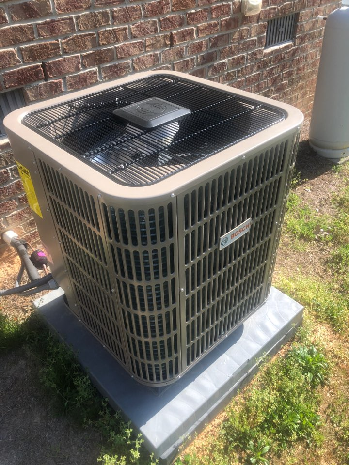 Walnut Cove, NC - Bosch 18 seer new install, adjusting airflow with hand dampers.