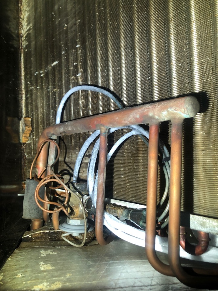 Kernersville, NC - Freezing at txv carrier heat pump emergency service call