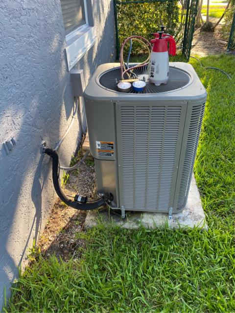 Wellington, FL - Completed a Tune Up on customers air conditioner system which includes 23 point inspection, cleaned evaporator & condenser coil, flushed the drain line and cleaned the drain pan.  We recommended doing this service twice a year to keep your system running efficiently all year round!