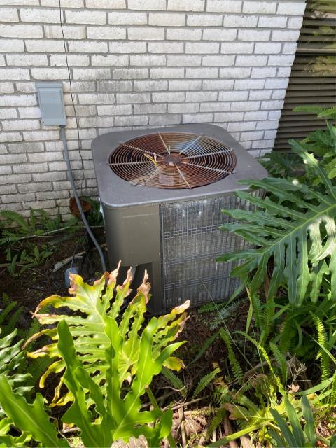 Hobe Sound, FL - Gave this customer an estimate on a new ac system as his system is 20 plus years old.  We got the owner financed with zero percent interest for 25 months on a new air conditioning  system.