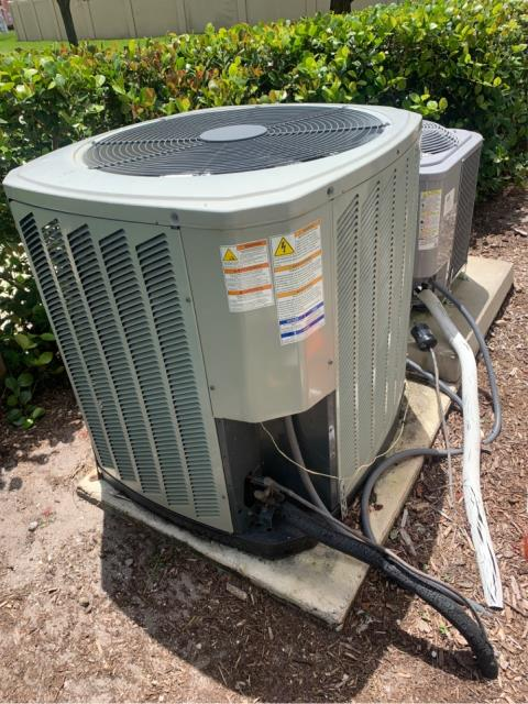 Port St. Lucie, FL - Service customers ac system with a preferred client member residential air conditioning maintenance.  We recommend two per year to keep your ac running at its best!