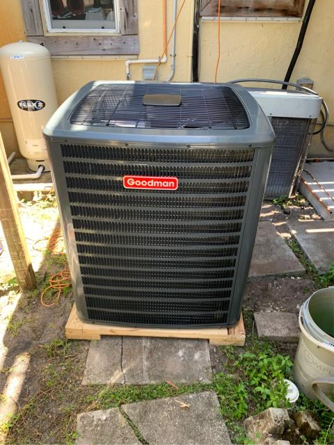 Palm City, FL - Installation of new 4 ton premium comfort Air Conditioning System.  This system includes 2 stage compressor with high efficiency variable speed blower for enhanced humidity removal. Customer is very happy with their new ac system.