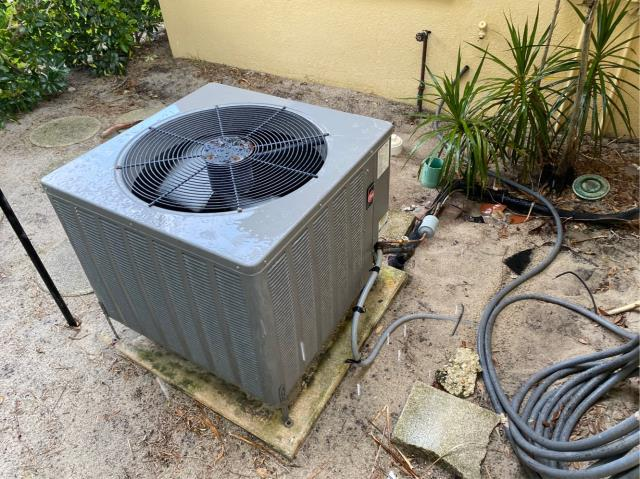 Jupiter, FL - Customers air conditioner gave out due to age and condition of system; gave estimate on a new 4 ton, 14 seer ac system with a 10 year parts warranty.
