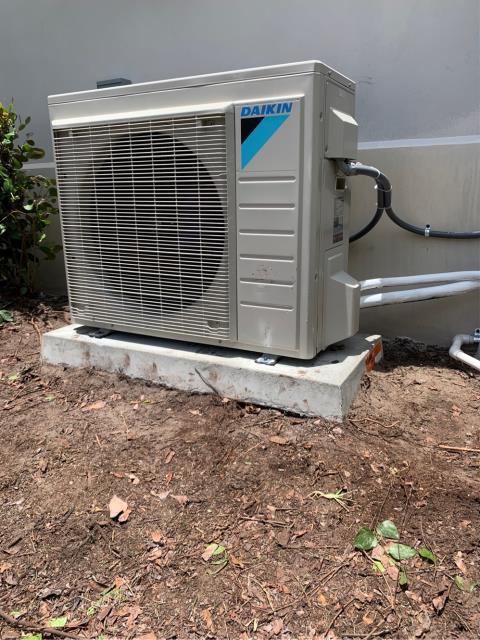 Jupiter, FL - Installed 2.5 ton mini split air conditioning and heating system.