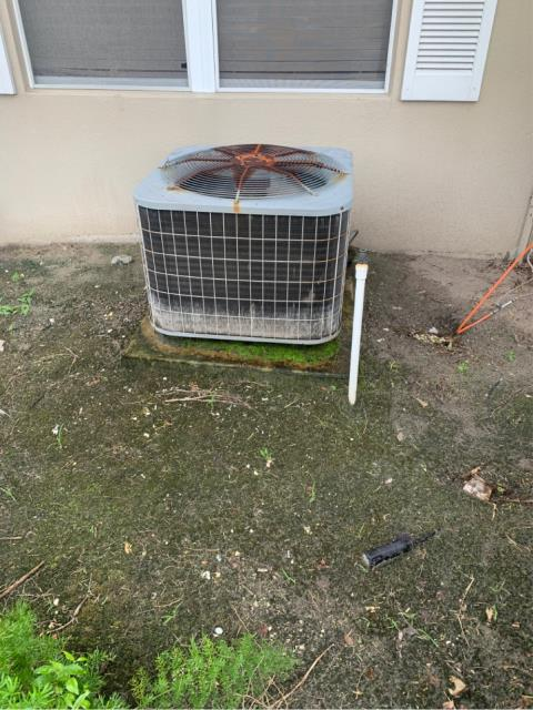 Palm City, FL - AC estimate for cleaning and sanitizing for air conditioning efficiency.