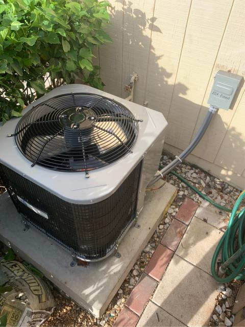 Jupiter, FL - Installed new air conditioning system; 2 ton, 14 seer, Arnold's AC Private Label (Goodman Mfg).